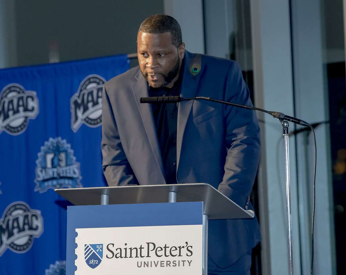 Former Norwalk High School basketball standout Keith Sellers during his acceptance speech at the St. Peter's University Athletic Hall of Fame ceremony earlier this month.
