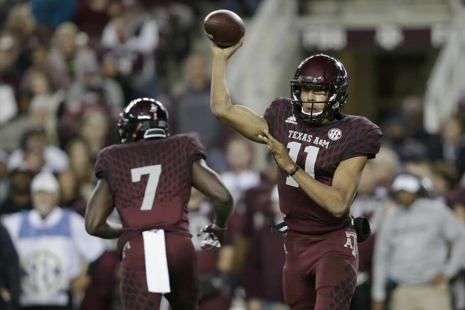 COLLEGE STATION, TX - OCTOBER 28:  Kellen Mond #11 of the Texas A&M Aggies throws a pass in the second quarter against the Mississippi State Bulldogs at Kyle Field on October 28, 2017 in College Station, Texas.  (Photo by Tim Warner/Getty Images) Photo: Tim Warner/Getty Images