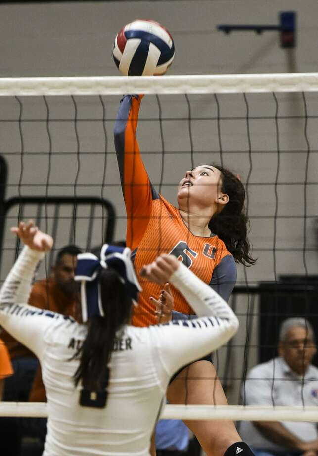 United's Alejandra Castro and the Lady Longhorns are set to play Los Fresnos in the area round of the state playoffs on Thursday in Corpus Christi. Photo: Danny Zaragoza /Laredo Morning Times