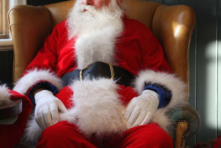 Santa Claus is set to arrive at The Outlet Shoppes at Laredo Friday at 6 p.m. kicking off an evening of entertainment.