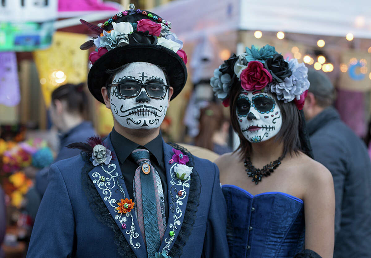 """Día de los Muertos, popularly known as """"Muertos Fest,"""" is relocating to Hemisfair for the 7th year The 7th year of one of San Antonio's most-attended Día de los Muertos celebrations will move from La Villita to Hemisfair. The Oct. 26-27 free event will offer all of the traditions, like a procession and ofrenda displays, but promises to """"bigger and better than ever"""" in its new home across South Alamo. It's already attracting national buzz -- National Geographic called it one of the seven autumn festivals readers should check out."""