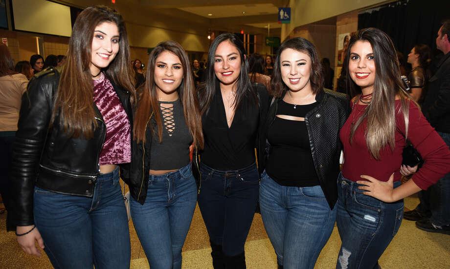 Laredoans head out to the Laredo Energy Arena to watch Reik on Saturday, Oct. 28, 2017. Photo: Danny Zaragoza