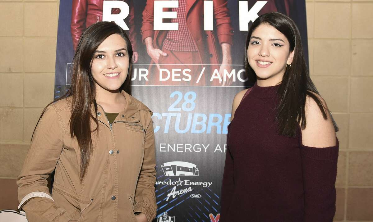 Laredoans head out to the Laredo Energy Arena to watch Reik on Saturday, Oct. 28, 2017.