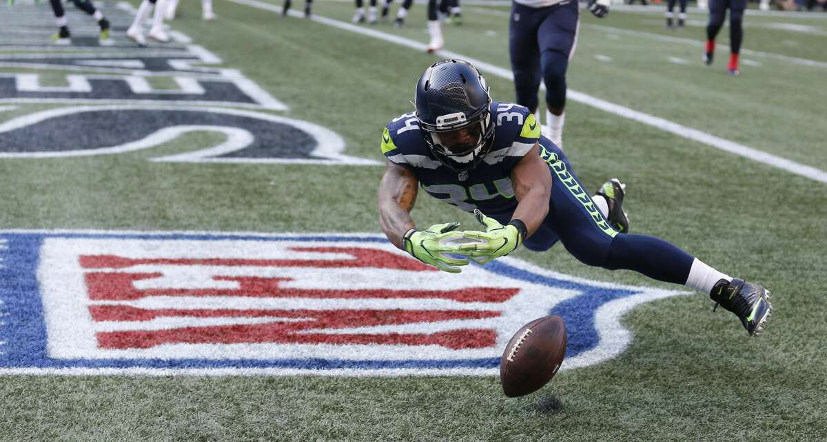 Thomas RawlsNew team: New York JetsVisits: ChiefsContract:TBA Originallya restricted free agent, the 24-year-old running back became a free agent last Wednesday. Rawls spent the 2017 campaign dealing with injuries and was never able to recapture the magic he had as a rookie in 2015. He reportedly visited the Kansas City Chiefs on Friday; however, it doesn't appear a deal was agreed to.