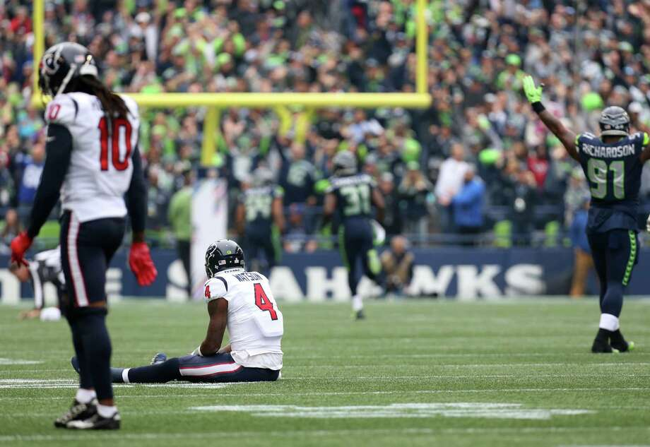 Houston Texans quarterback Deshaun Watson (4) watches as Seattle Seahawks free safety Earl Thomas (29) scores a touchdown off an interception during the first half of the game at CenturyLink Field Sunday, Oct. 29, 2017, in Seattle. Photo: Godofredo A. Vasquez, Houston Chronicle / Godofredo A. Vasquez