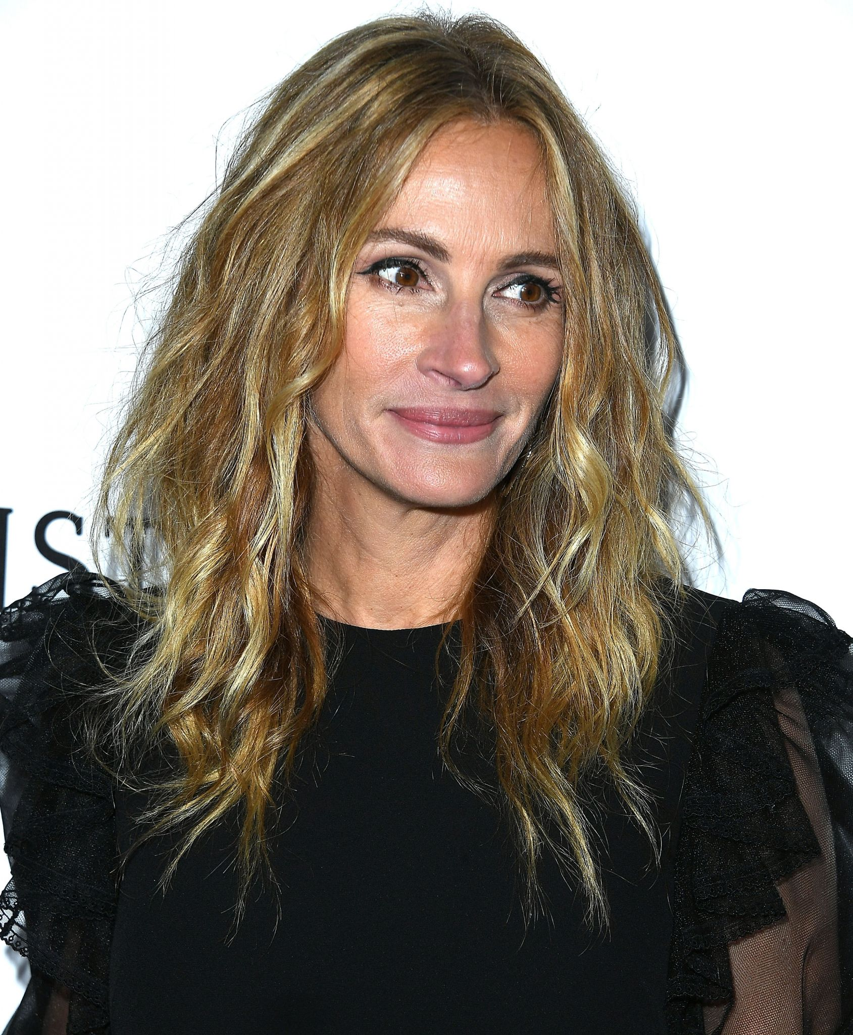 Julia Roberts goes on Mission District shopping spree for 50th ...