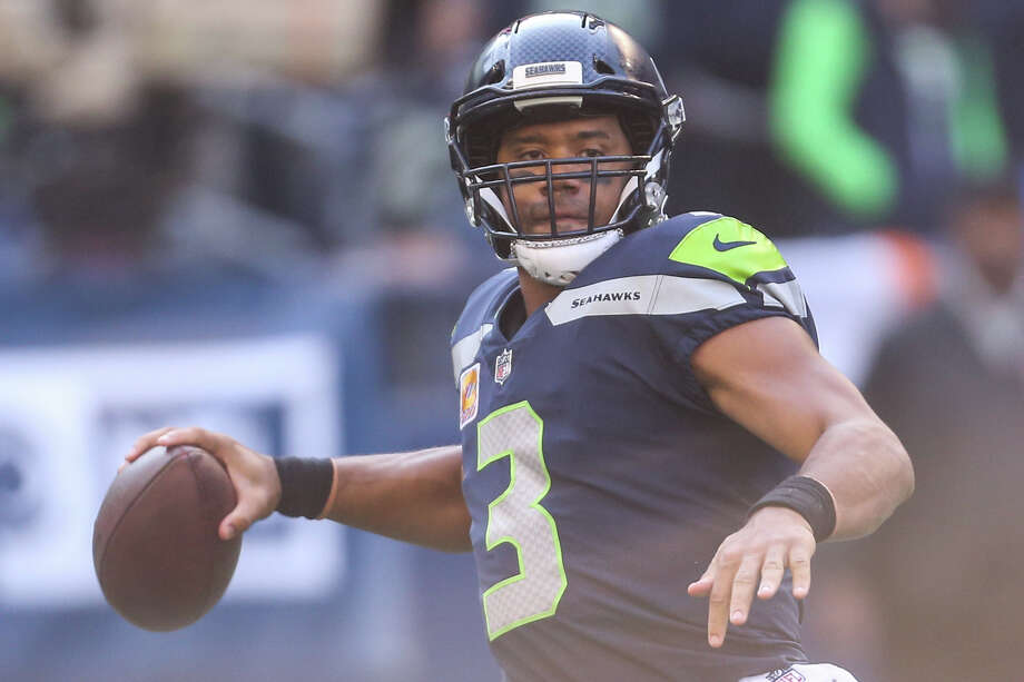 Seahawks quarterback Russell Wilson throws a pass during the second half of an NFL game against the Texans at CenturyLink Field on Sunday, Oct. 29, 2017. Photo: GRANT HINDSLEY, SEATTLEPI.COM / SEATTLEPI.COM
