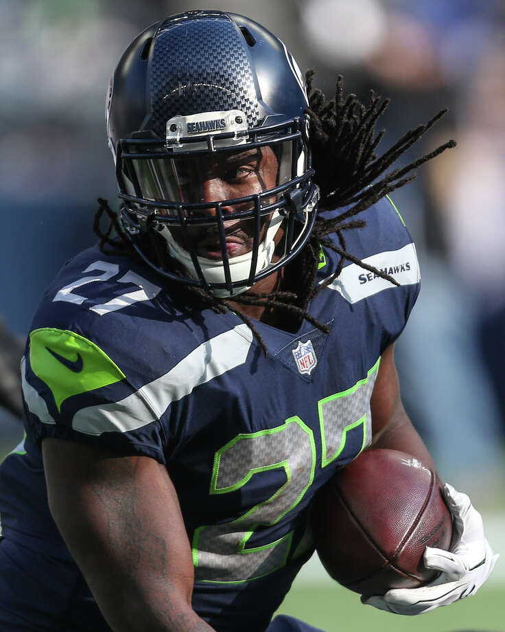 Seahawks running back Eddie Lacy runs the ball during the first half of an NFL game against the Texans at CenturyLink Field on Sunday, Oct. 29, 2017. Photo: GRANT HINDSLEY, SEATTLEPI.COM / SEATTLEPI.COM