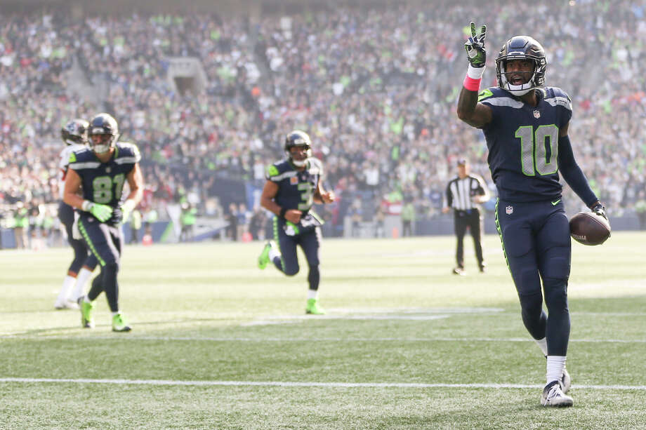Seahawks wide receiver Paul Richardson celebrates his second touchdown during the first half of an NFL game against the Texans at CenturyLink Field on Sunday, Oct. 29, 2017. Photo: GRANT HINDSLEY, SEATTLEPI.COM / SEATTLEPI.COM