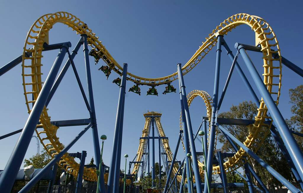 several visitors reported being assaulted by groups of teens at great america in santa clara