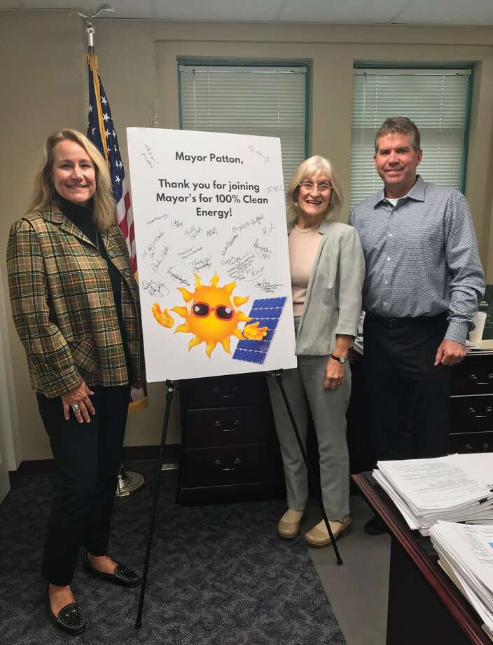 Pictured are, from left Viginia Woulfe-Beile, Rachel Tompkins and Edwardsville Mayor Hal Patton. Photo: Cody King