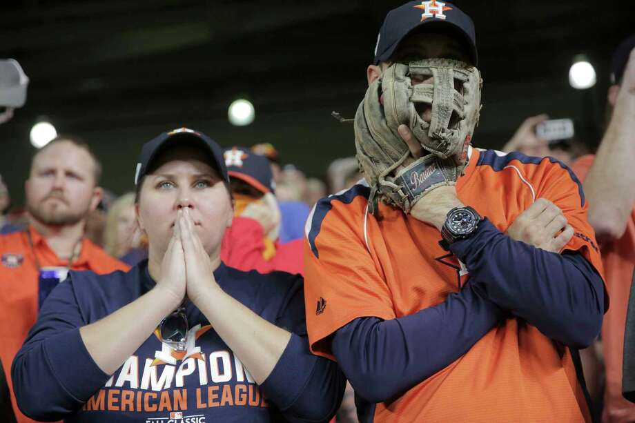 Astros fans react during Game 5 of the World Series against the Dodgers on Sunday, Oct. 29, 2017, in Houston. Photo: Elizabeth Conley, Houston Chronicle / © 2017 Houston Chronicle