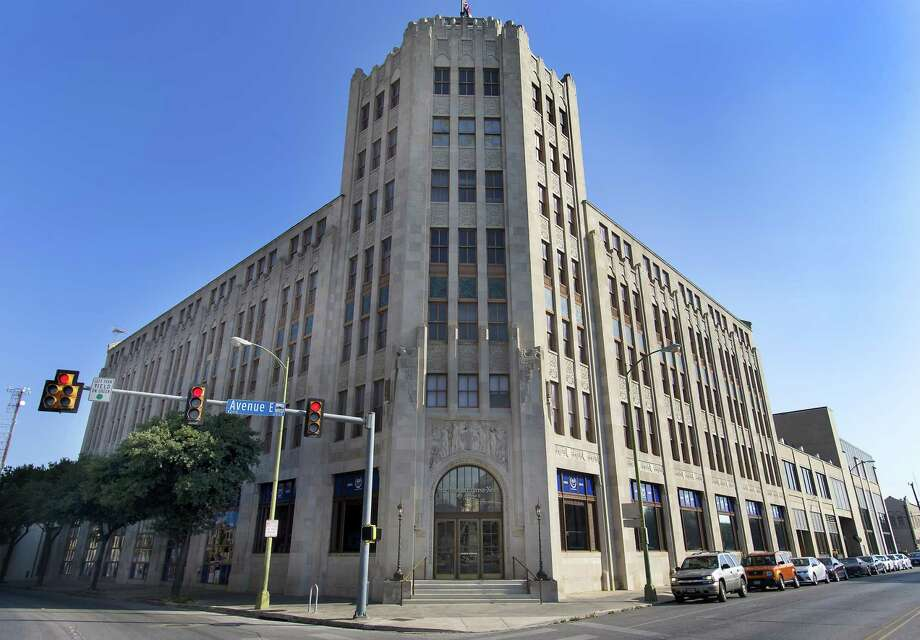 Twenty employees at the San Antonio Express-News were laid off Thursday. Photo: William Luther /Staff File Photo / © 2015 San Antonio Express-News