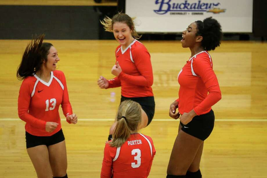 Porter's Shelby Williams (10) celebrates with teammates during the varsity volleyball game against Livingston on Monday, Oct. 30, 2017, at Conroe High School. (Michael Minasi / Houston Chronicle) Photo: Michael Minasi, Staff Photographer / © 2017 Houston Chronicle