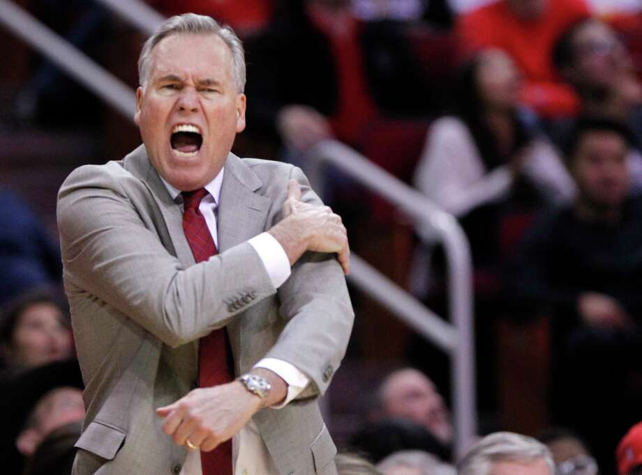 A jump-ball call raises the ire of Rockets coach Mike D'Antoni during the second half Monday night at Toyota Center. Photo: Elizabeth Conley, Houston Chronicle / © 2017 Houston Chronicle
