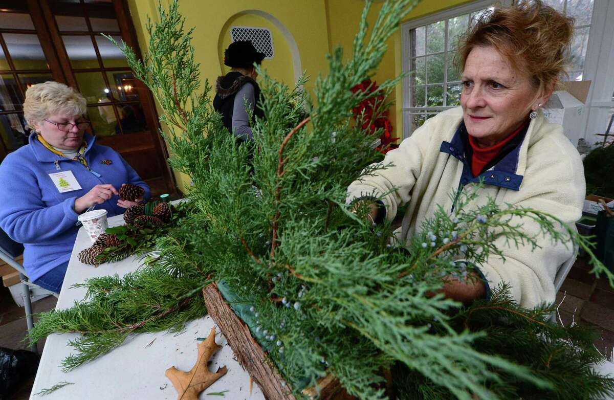 The Norwalk Garden Club will present a program for the holidays that promises to bring the beauty of fresh flowers and winter greens into your home.