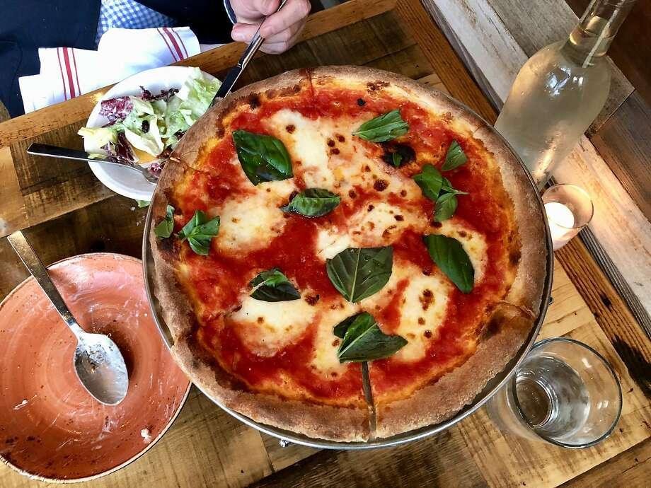 Glen Ellen Star: margherita pizza. Photo: Michael Bauer, The Chronicle