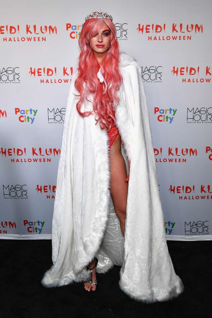 Heidi Klum's Halloween costume party was a celebrity-filled ...