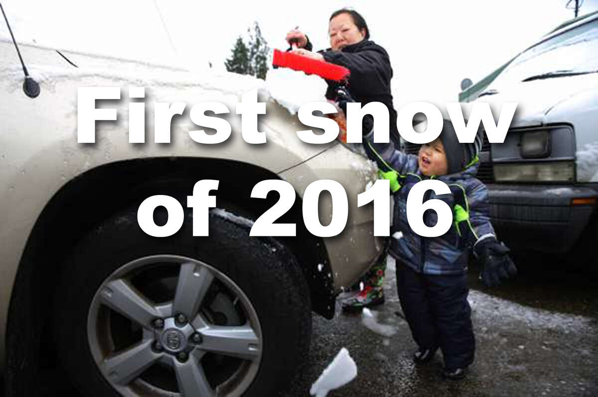 Let's look back at the first snow of 2016 to fall in Seattle.