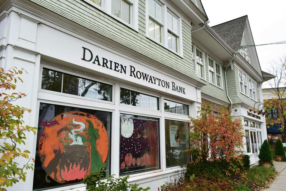 Darien Rowayton Bank has filed for permission to adopt the Laurel Road moniker of its student lending arm. Photo: Alexander Soule / Hearst Connecticut Media / Stamford Advocate