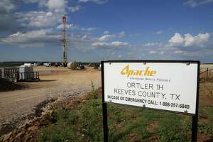 A drilling rig sits north of the Davis Mountains Friday, Sept. 16, 2016 in Balmorhea. Houston's Kinder Morgan said Thursday it's ready to move forward with its $1.7 billion gas pipeline from West Texas to the Corpus Christi area after signing on Apache Corp. as a major customer.