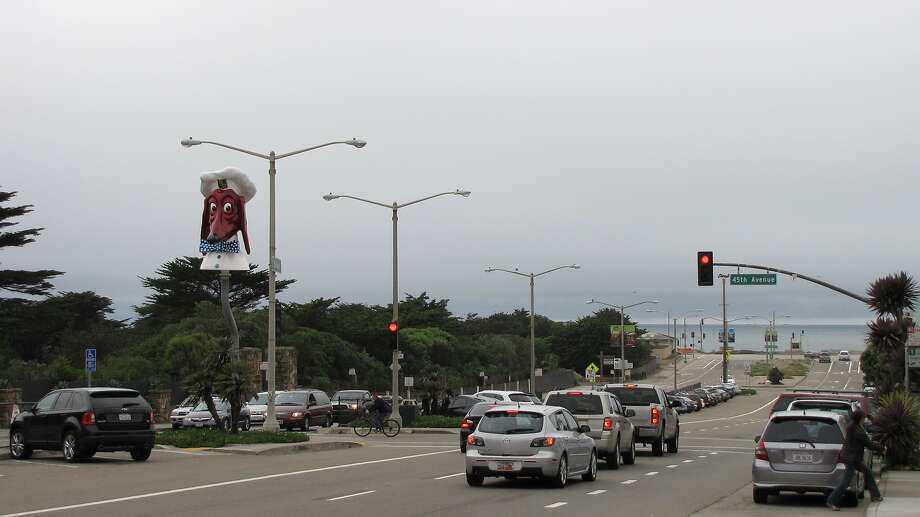 A 45-year-old man was killed on Sloat Boulevard on Tuesday night while attempting to cross the busy thoroughfare, officials said. Photo: John King