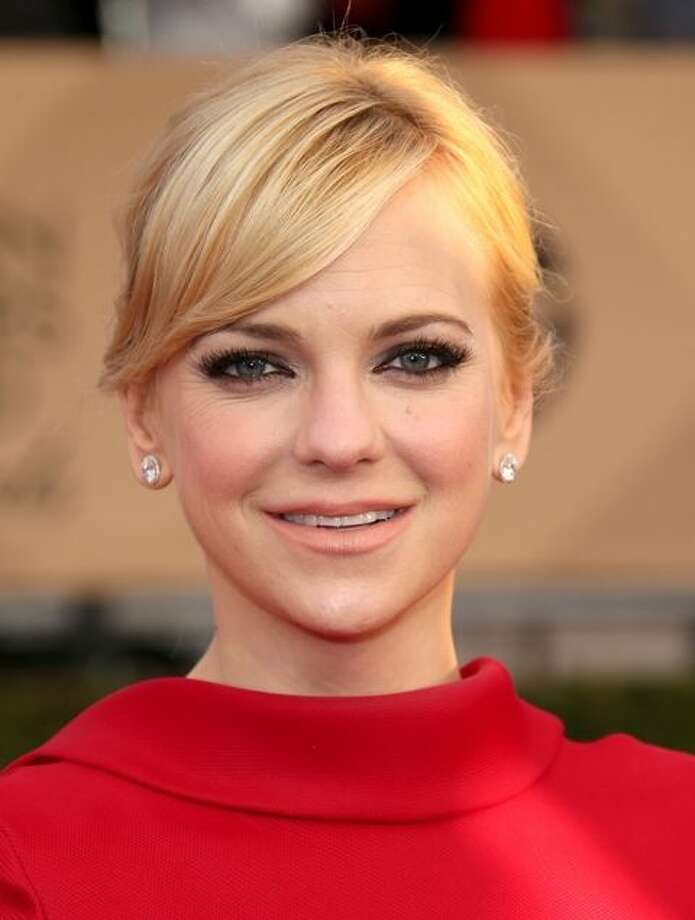 1) Anna Faris