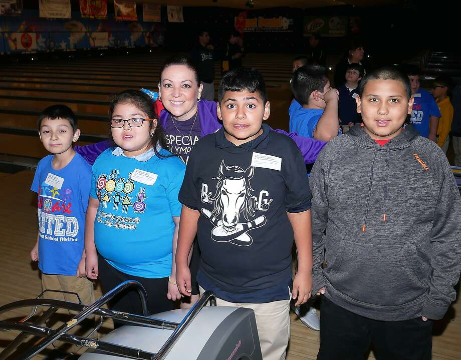 Special Olympics Bowling Competition at Jett Bowl North, Wednesday, November 1, 2017 Photo: Cuate Santos/Laredo Morning Times