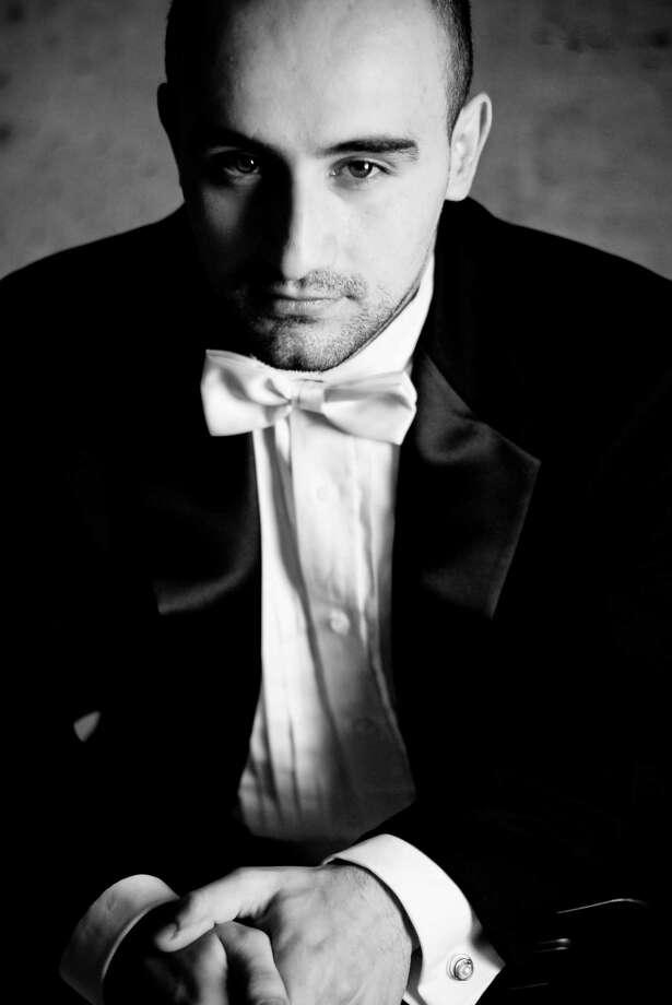 Violinist Igor Pikayzen. Photo: Contributed / Contributed Photo / Westport News contributed