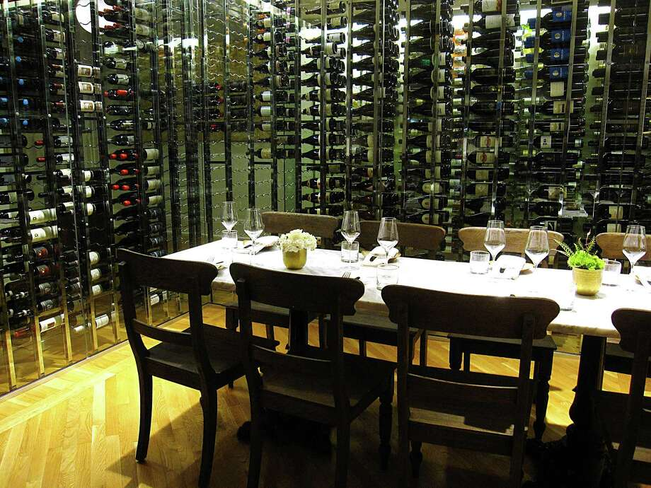 Italian Restaurant Near Me: Paula Deen's Family Kitchen Announces Location, Expected