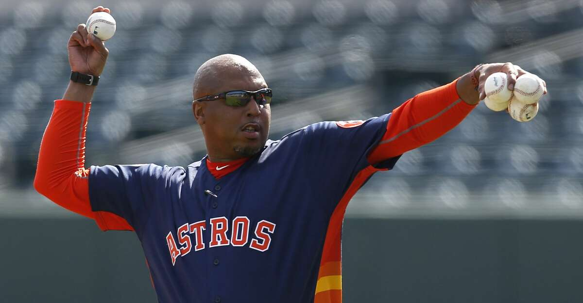 In addition to the departure of bench coach Alex Cora to the Boston Red Sox, the World Series-champion Astros will also lose assistant hitting coach Alonzo Powell to the San Francisco Giants.
