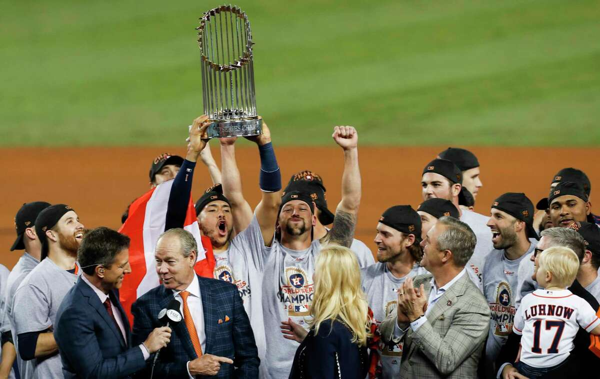 PHOTOS: The best pictures from the Astros-Dodgers World Series Houston Astros shortstop Carlos Correa (1) hoists the World Series trophy over his head as the Astros celebrate beating the Los Angeles Dodgers 5-1 in Game 7 of the World Series at Dodger Stadium on Wednesday. ( Brett Coomer / Houston Chronicle ) Browse through the photos above for a look at the best pictures from the Astros-Dodgers World Series.