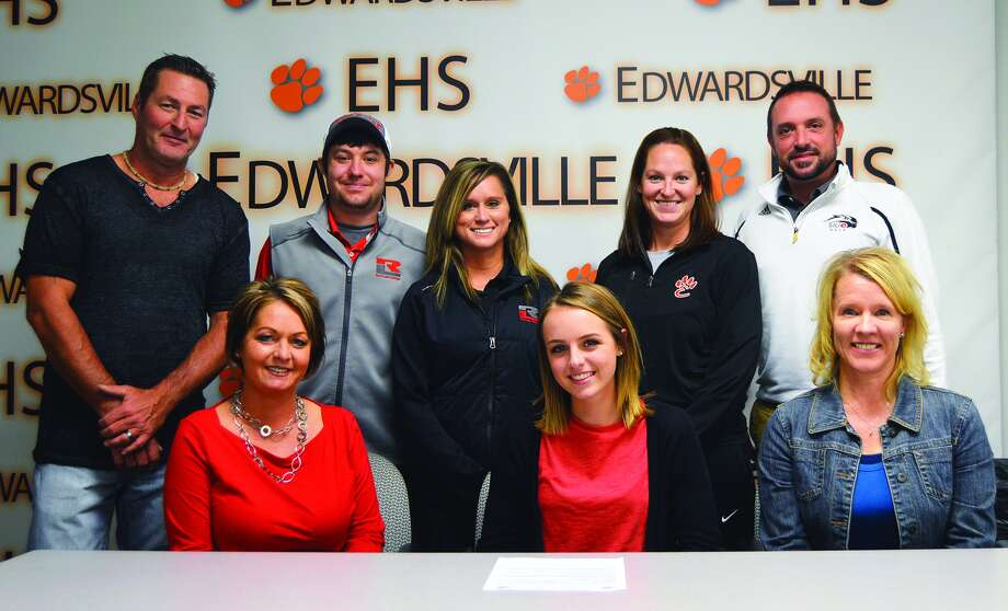 EHS senior Paige Hamel, seated center, will play golf at Rend Lake College.