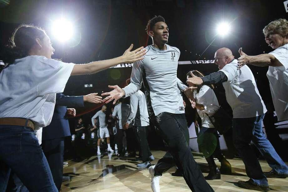 Dejounte Murray has been inconsistent as a starter. Photo: Kin Man Hui /San Antonio Express-News / ©2017 San Antonio Express-News
