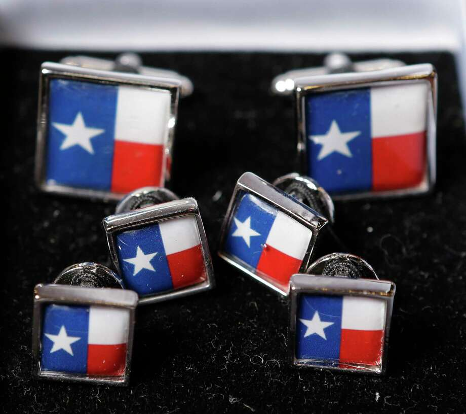 Stud set and cuff links Photo: Melissa Phillip, Houston Chronicle / © 2017 Houston Chronicle