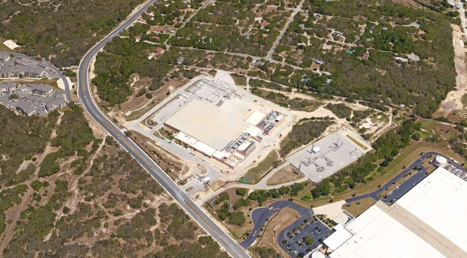 Microsoft Corp. purchased an $80 million data center on the far West Side this week, continuing its 12-year effort to cluster data centers in San Antonio. Photo: Google Maps