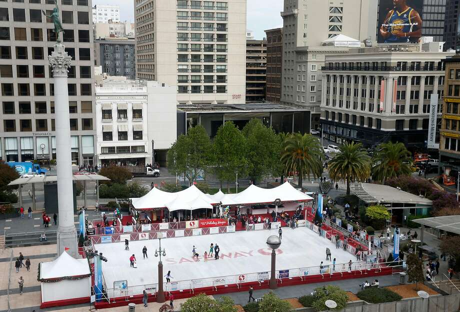 The ice skating rink is open for the holiday season at Union Square in San Francisco, Calif. on Friday, Nov. 3, 2017. Photo: Paul Chinn, The Chronicle