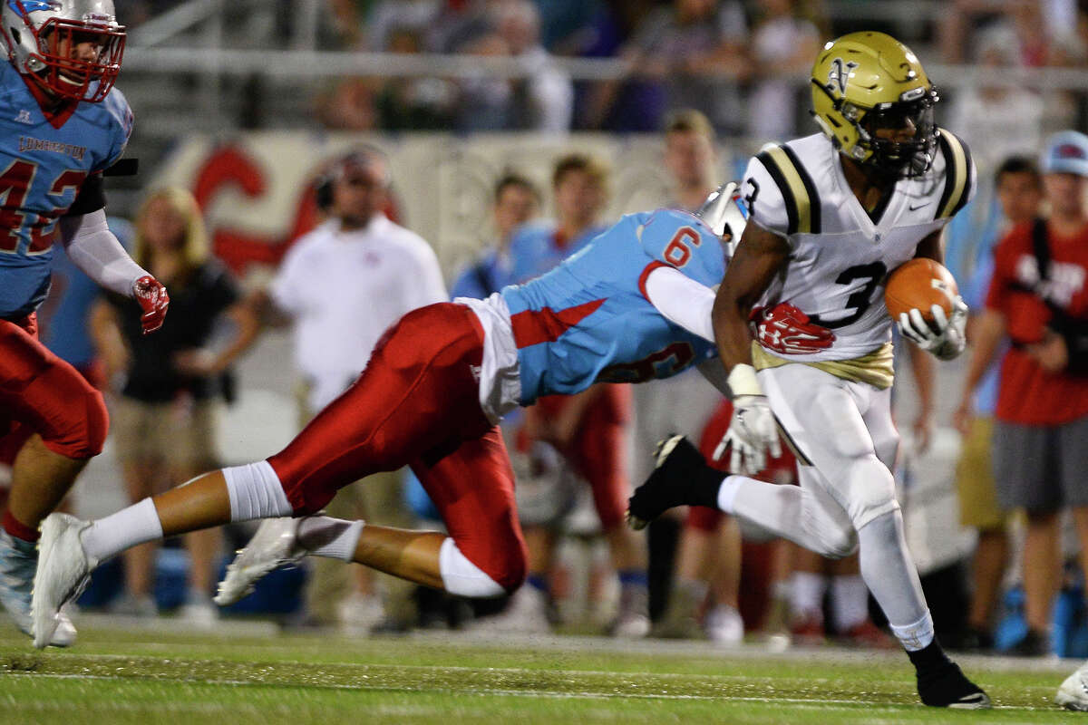 Devon Simmons School: Nederland Position: RB Notes: Simmons rushed for a career-best 248 yards against Lumberton last week. If the senior can have success against a PN-G defense susceptible to the run, it'll open up the offense.