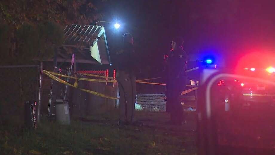 King County Sheriff's deputies searched for a gunman after a 27-year-old man was shot and killed at an Auburn home Friday night, Nov. 3, 2017. Photo: KOMO News