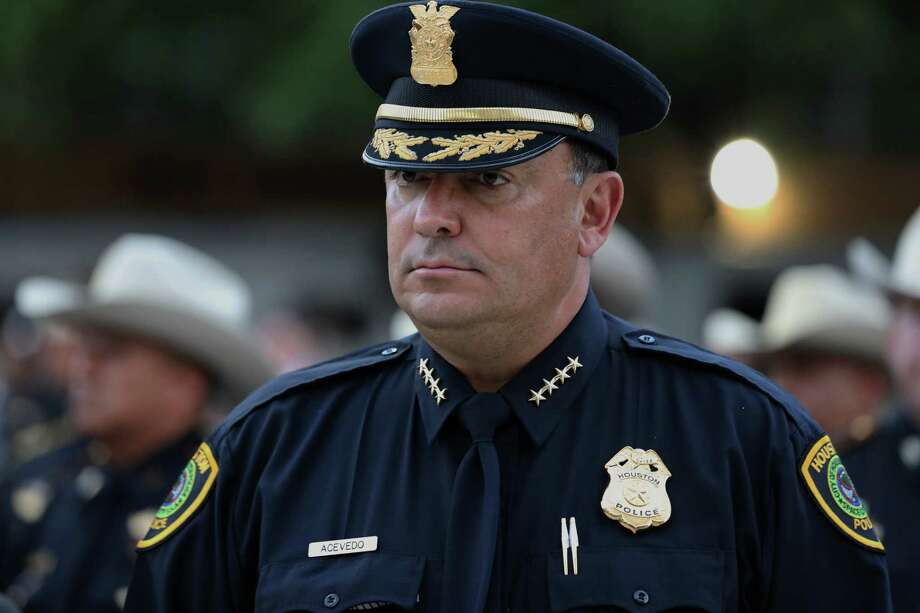 Police Chief Art Acevedo says that as Houston continues to rebuild from Hurricane Harvey, we can't afford to have Dreamers pushed into the shadows for fear of being deported. Immigrants have a crucial role in the rebuilding, he says. Photo: Yi-Chin Lee, Staff / © 2017  Houston Chronicle