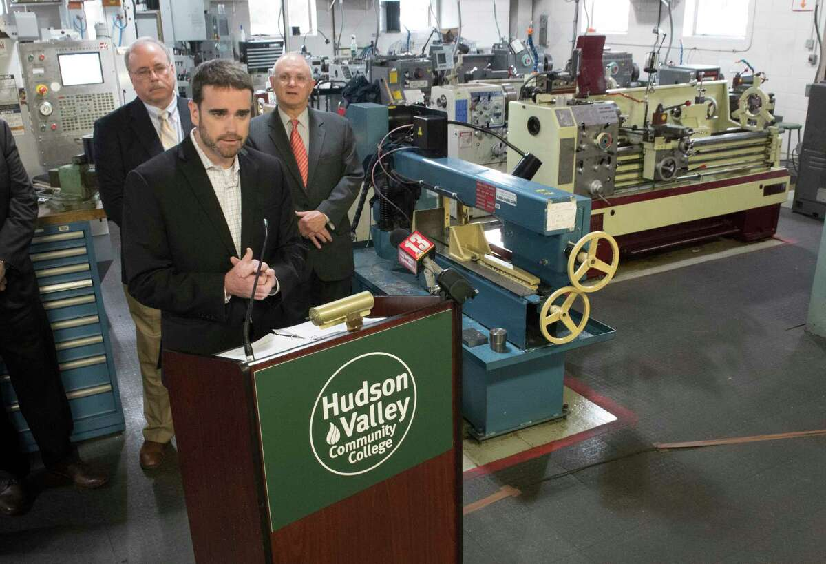 CEG president and CEO Andrew Kennedy announced the establishment of Manufacturing Technology Pathways in conjunction with Hudson Valley Community College at a press conference held in an industrial lab on the Hudson Valley Community College Thursday Oct. 26, 2017 in Troy, N.Y. (Skip Dickstein/ Times Union)