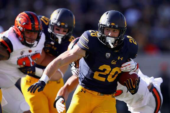 BERKELEY, CA - NOVEMBER 04:  Patrick Laird #28 of the California Golden Bears runs with the ball against the Oregon State Beavers at California Memorial Stadium on November 4, 2017 in Berkeley, California.  (Photo by Ezra Shaw/Getty Images)