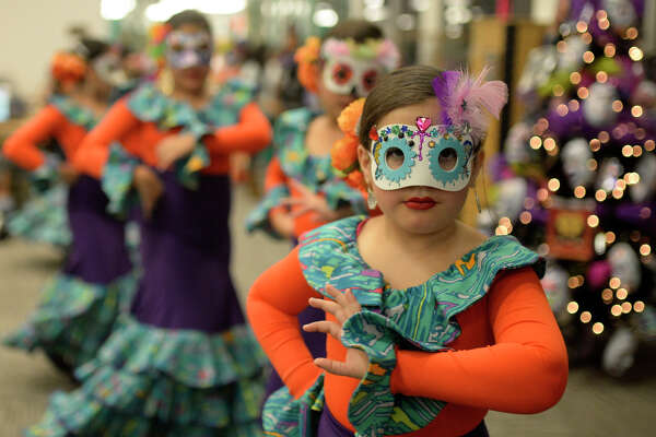 Dia de los Muertos celebration hosted by the Hispanic Cultural Center of Midland and the Midland County Public Library on Nov. 4, 2017, at the Midland County Public Library downtown branch. James Durbin/Reporter-Telegram