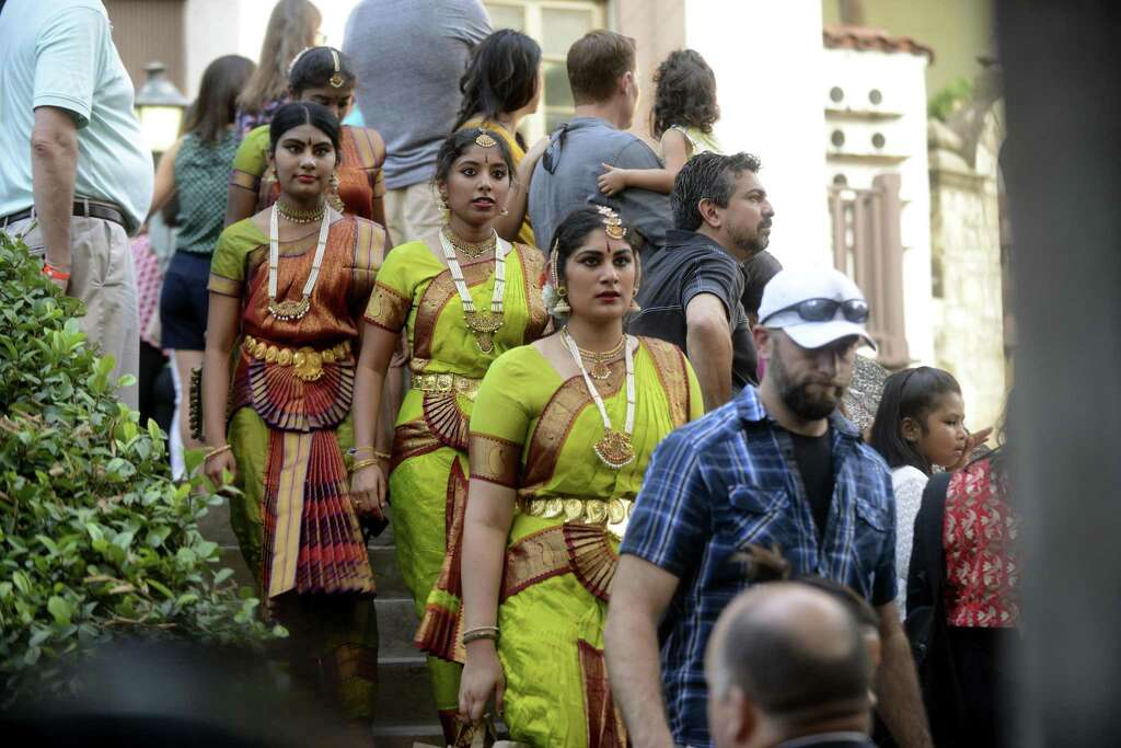 San Antonians And Visitors Alike Delight In The Diwali Festival - Indias 9 coolest cultural festivals