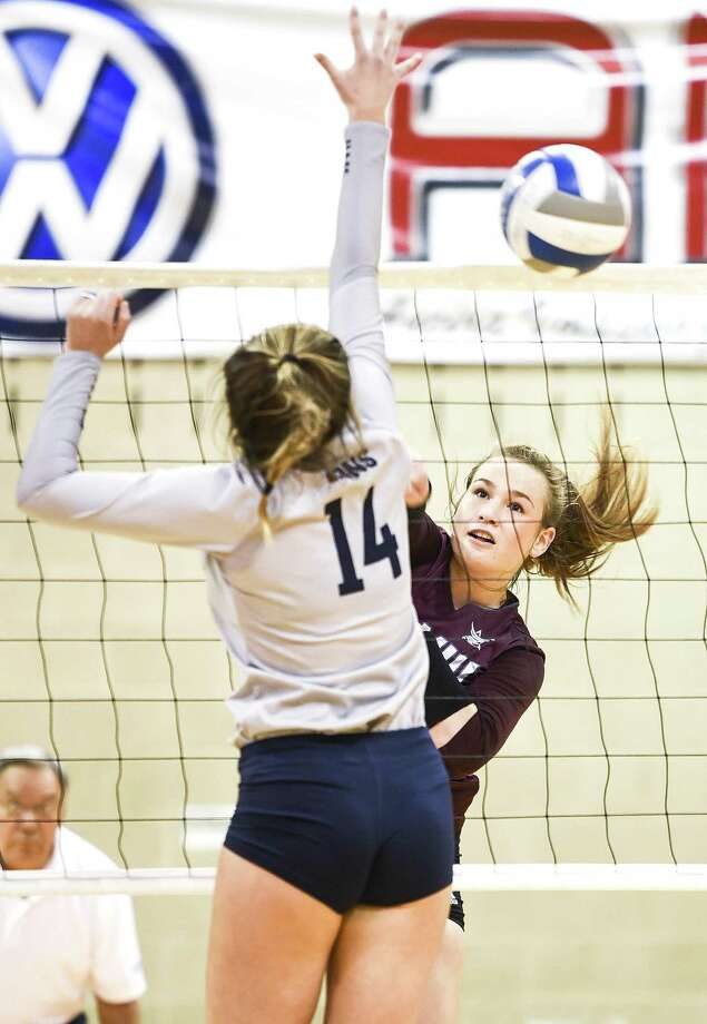 Yuliia Hupkovska had team highs of seven kills and 14 digs Saturday in TAMIU's 3-0 loss against Arkansas-Fort Smith. Photo: Danny Zaragoza /Laredo Morning Times
