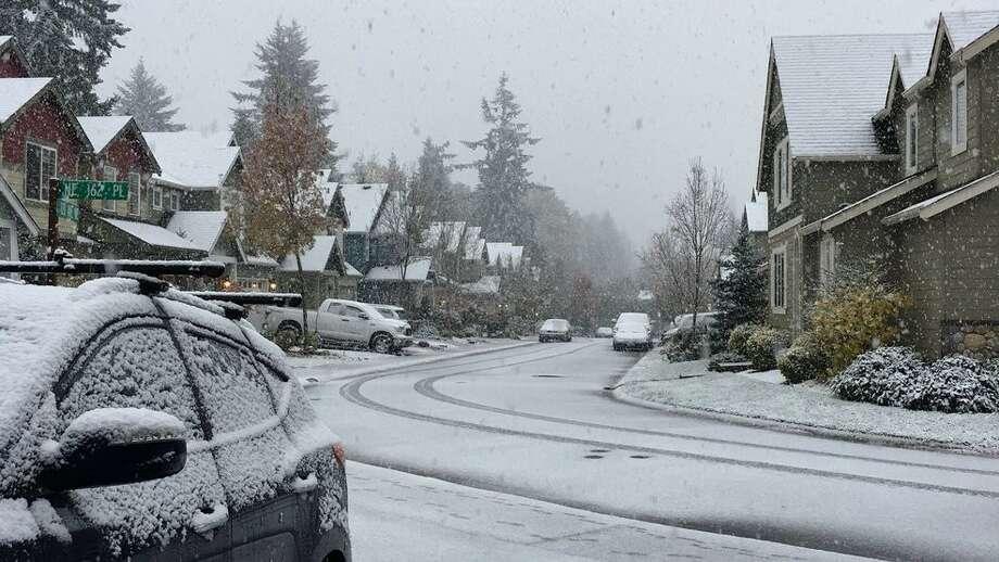 Snow in Bothell Photo: KOMO News