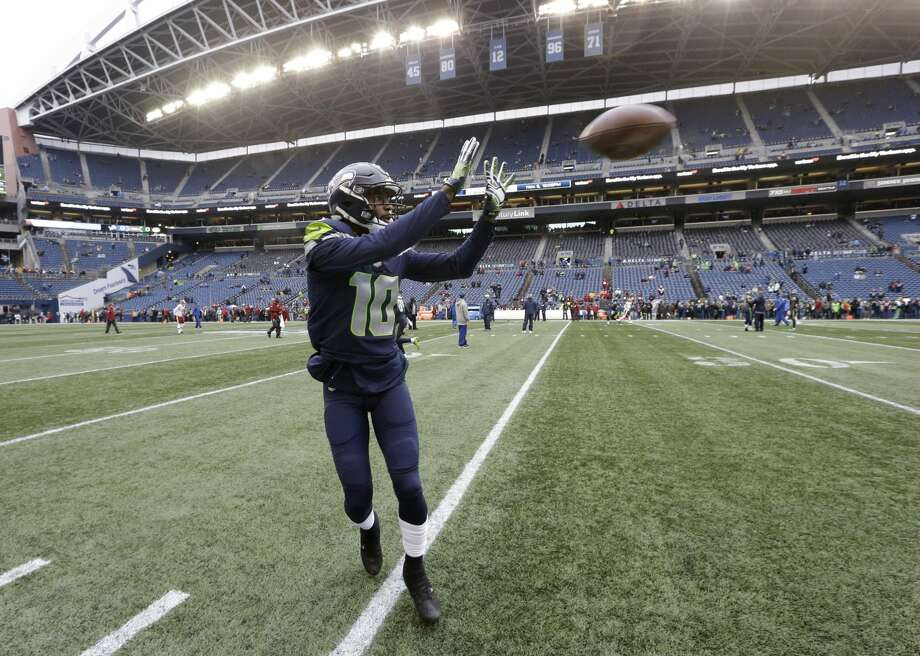 Seattle Seahawks wide receiver Paul Richardson warms up before an NFL football game against the Washington Redskins, Sunday, Nov. 5, 2017, in Seattle. (AP Photo/Elaine Thompson) Photo: Elaine Thompson/AP