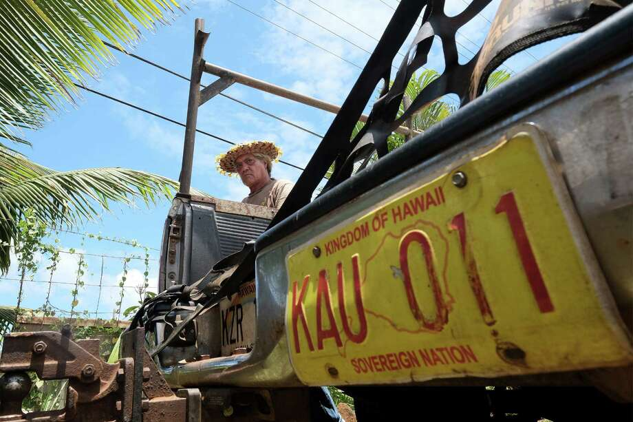 Keo Kauihana supports sovereignty for the native people of Hawaii. As Hawaiians work toward a constitution for themselves, viewpoints differ about how it should operate, but many still believe that self-governance is vital. Photo: Washington Post Photo By Bonnie Jo Mount / The Washington Post