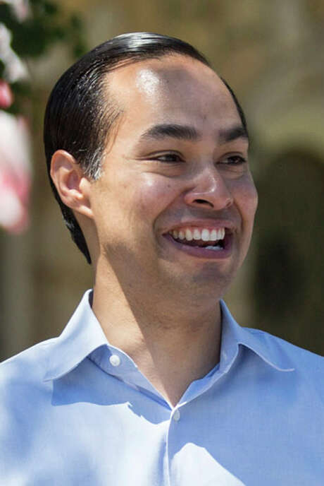 Former San Antonio Mayor Julian Castro campaigns with mayoir caandidate Ron Nirenberg on Donaldson Avenue in San Antonio, Texas on May 13, 2017. Castro publicly endorsed Nirenberg on Saturday. Ray Whitehouse / for the San Antonio Express-News Photo: Ray Whitehouse, Photographer