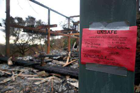 The clubhouse is red tagged at the Fountaingrove Golf Club in Santa Rosa, Calif. on Thursday, Nov. 2, 2017. Fountaingrove hopes to reopen the course in mid-November despite its clubhouse and other buildings getting burned to the ground in last month's Tubbs Fire. Photo: Paul Chinn, The Chronicle